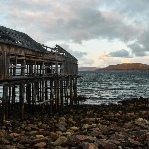 Verfallenes Haus im Hafen