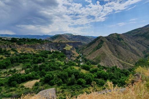 Blick über das Tal bei Garni