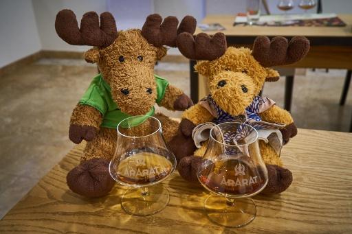 Hauge und Swedy bei der Yerevan Brandy Company Verkostung