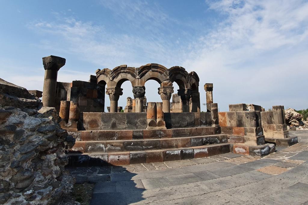 Ruine der Kathedrale von Swartnoz